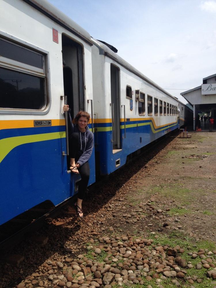 Le pull pour l'intérieur du train, quand le soleil tape à 35 degrés dehors