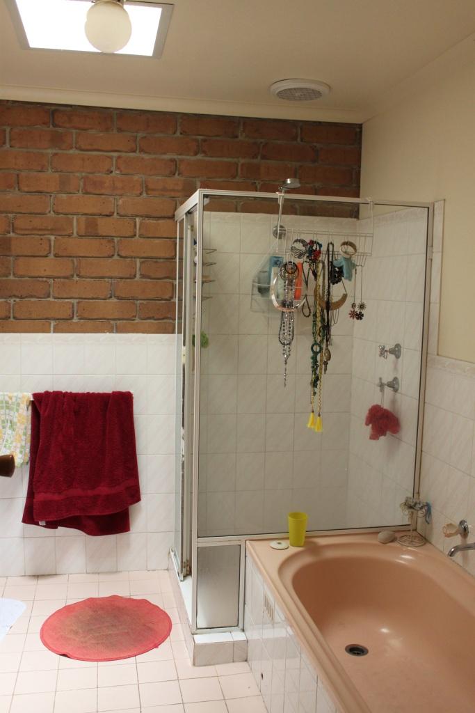 Et encore salle de bain.